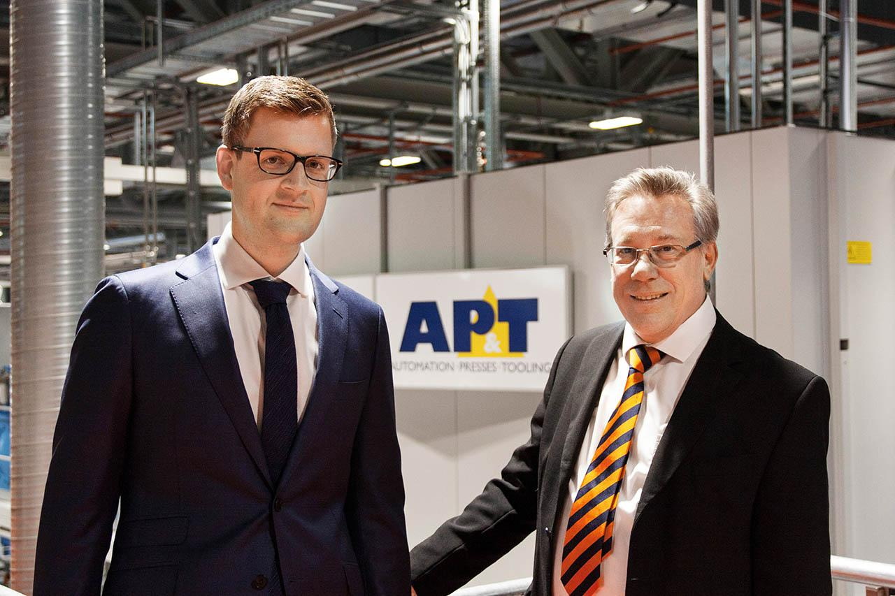 """Thanks to the new line, we have been able to increase our capacity and satisfy the growing demand for our products,"" says Markus Siller (left), segment head at Aesculap. Here he is shown together with Werner Blaha, senior area sales manager at AP&T, and responsible for the transaction with Aesculap."
