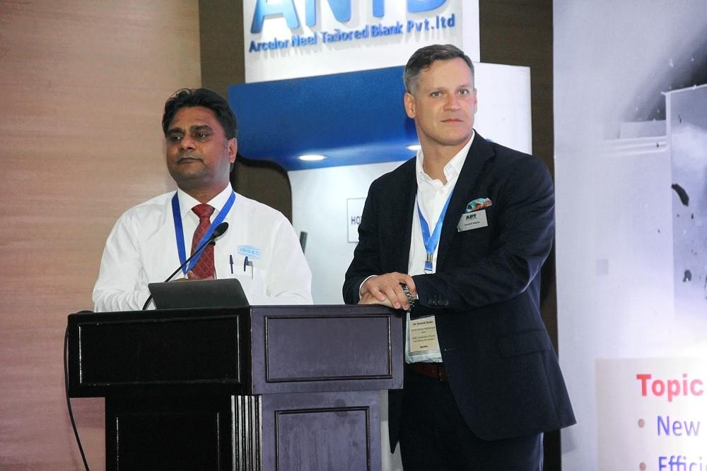 Dominik Taszkin (to the right), who is head of sales at AP&T in India, and Yogesh Saxena (to the left), who is head of sales at ISGEC, jointly presented how AP&T's solutions within press hardening can help manufacturers meet the new Indian requirements regarding crashworthiness.